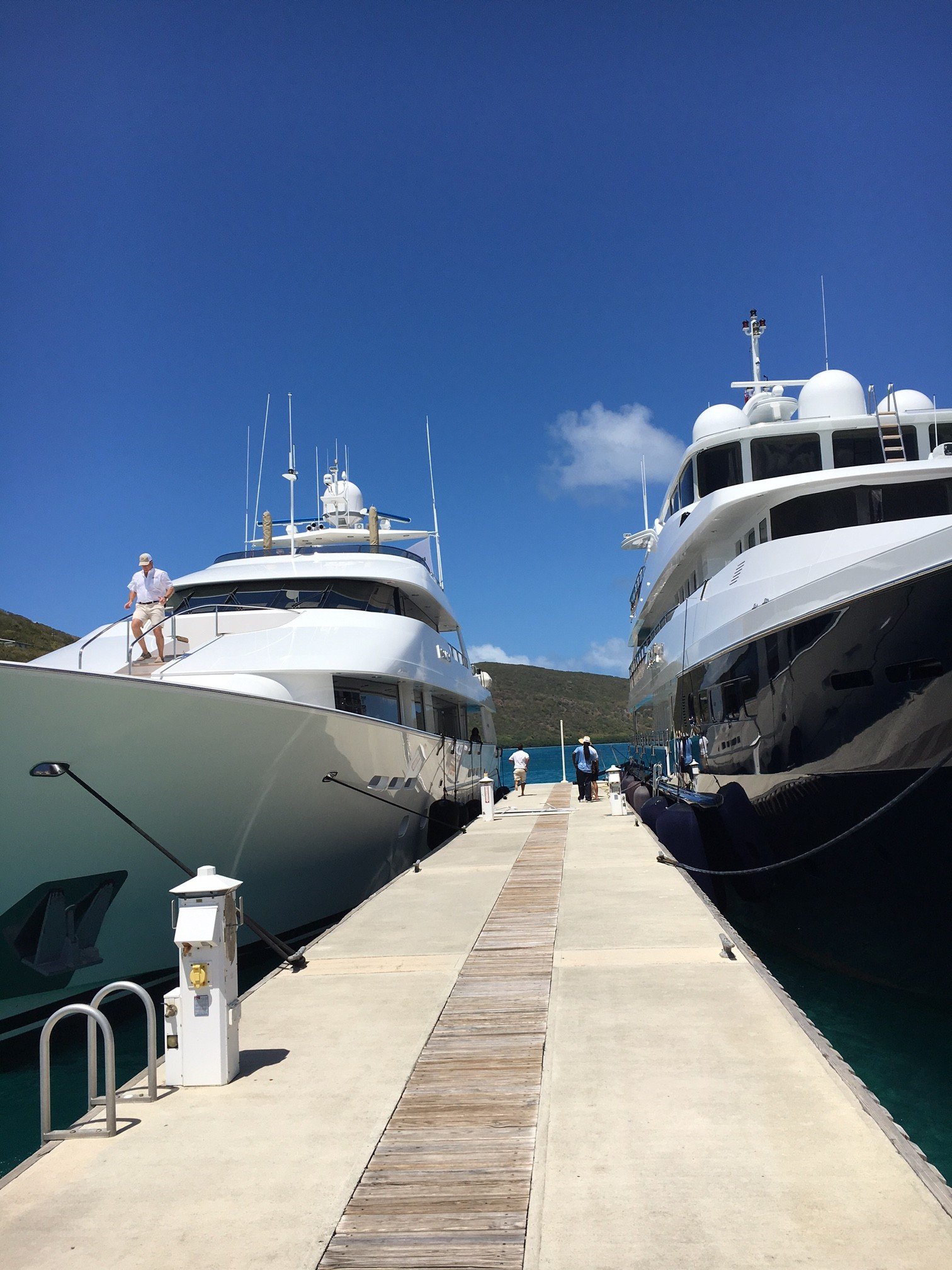 The day began with a convoy of spectacular motor yachts ranging from 80 to  140 feet in length cruising from the Yacht Club Costa Smeralda on Virgin  Gorda to ... 576c53295d5fe