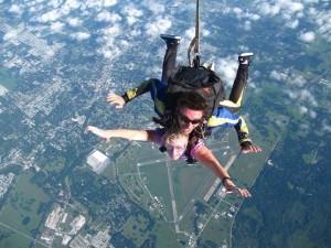 Juli skydiving